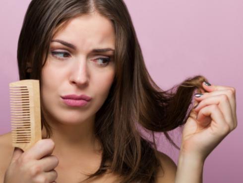 4 cosas que haces diariamente y dañan tu cabello