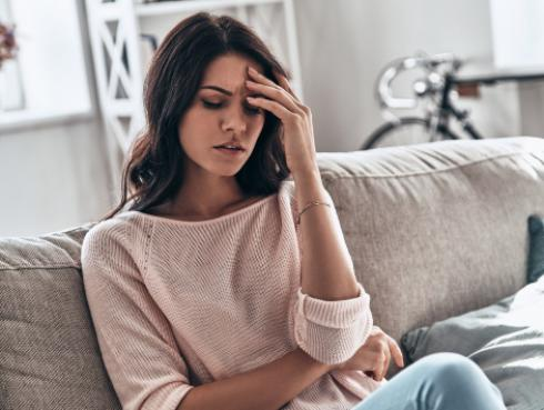 Alimentos que nos ayudan a combatir los dolores de cabeza hormonales
