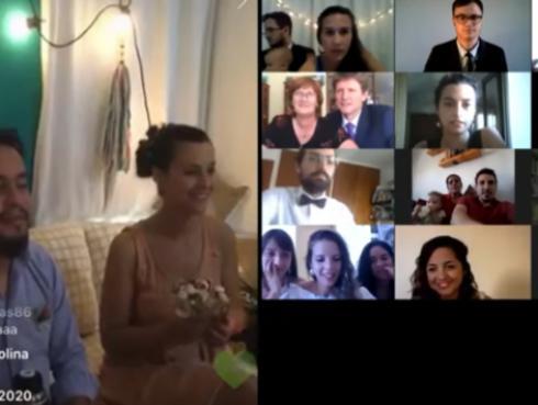 Amor en cuarentena: Ellos tenían todo planeado y se casaron en una boda virtual con más de 400 invitados