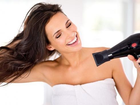 Tips para secar tu cabello sin que se encrespe