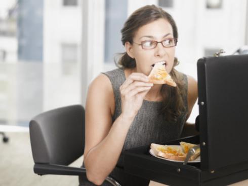 Cómo adelgazar si trabajas todo el día sentada