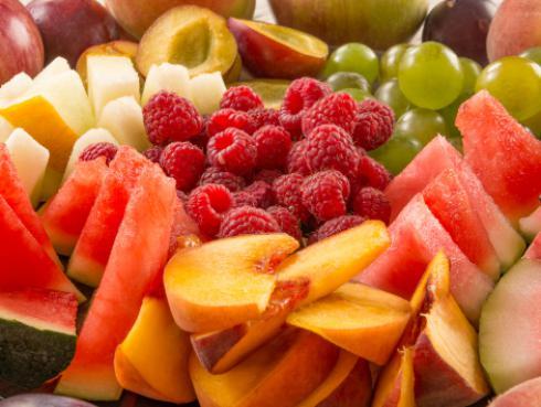 Conoce la verdad detrás de los mitos más comunes sobre las frutas