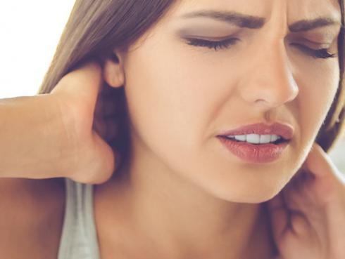 Cura el dolor de cuello con estos remedios naturales