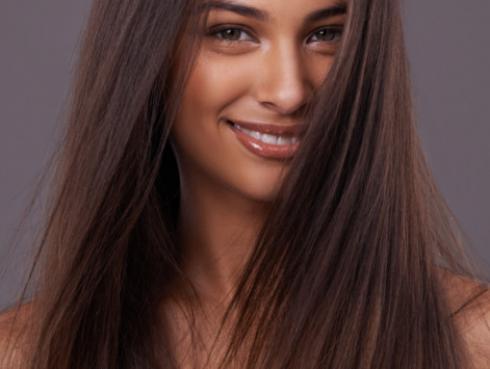 Descubre cómo alisar tu cabello sin usar la plancha