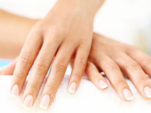 Diferencia entre las uñas de gel y las de porcelana