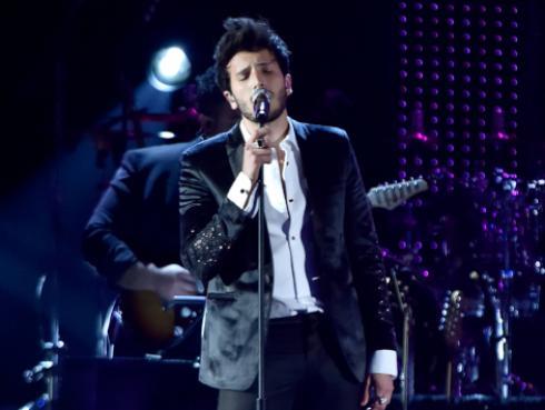 Sebastián Yatra canta 'Ya no tiene novio' en acústico