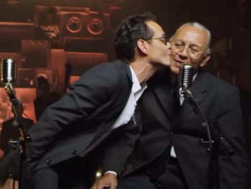 El tierno video de Marc Anthony cantando con su padre