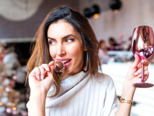 El vino y el chocolate podrían ser el secreto de la eterna juventud, según la ciencia