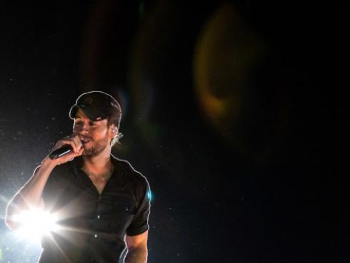 Enrique Iglesias estrena 'Después que te perdí'