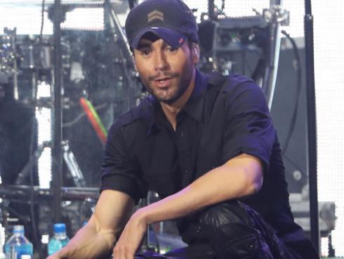 El hijo de Enrique Iglesias demostró ser todo un bailarín