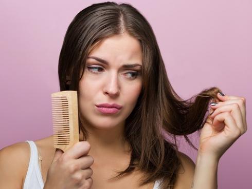 5 peinados para cabello graso