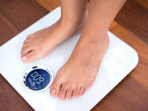 Estos son los alimentos dietéticos que te hacen subir de peso