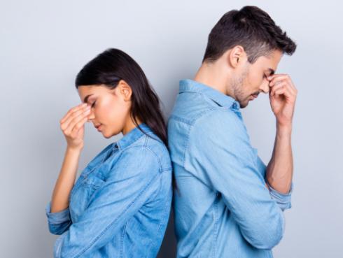 Estudio revela que convivir en pareja les suma 7 horas de trabajo extra a las mujeres