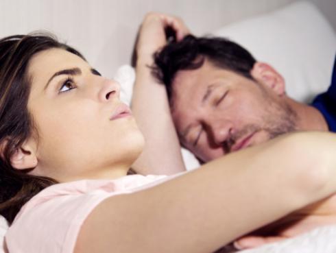 Estudio revela que dormir mal causa sobrepeso