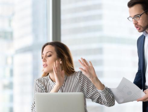 Estudio revela que ignorar a tus compañeros de trabajo reduce el estrés