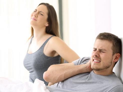 Estudio revela que las parejas que duermen menos horas tienen más problemas
