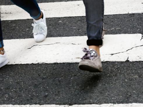 Estudio revela que las personas que caminan rápido viven más