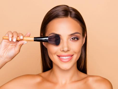 ¡Evita estos errores a la hora de maquillar tus ojos y lucir una mirada impactante!