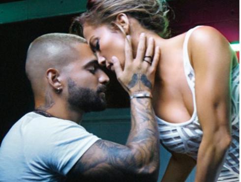 JLo y Maluma publican explosivo adelanto de 'Pa' ti' y 'Lonely', temas de la película 'Marry me'