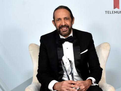 Juan Luis Guerra fue homenajeado en los Premios Billboard