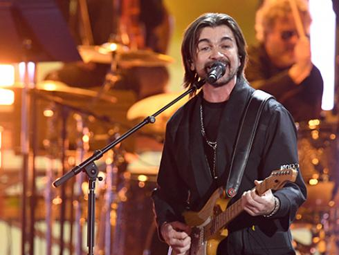 Juanes llena de amor la cuarentena con el nuevo videoclip de 'Loco'