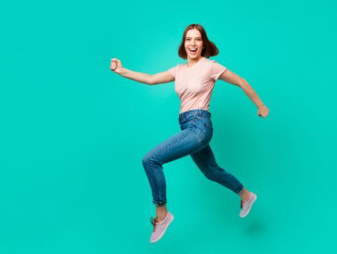 ¡La ciencia lo dice! Las personas que caminan rápido son menos felices