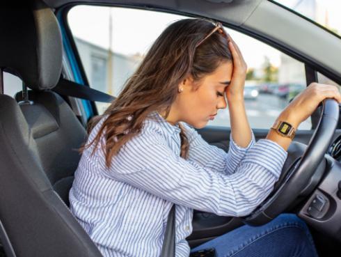La ciencia lo dice: llorar dentro del auto puede ayudarte a bajar de peso