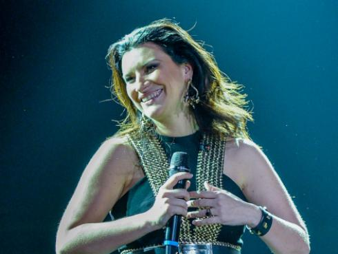 Laura Pausini confiesa por qué tuvo que ir al psicólogo