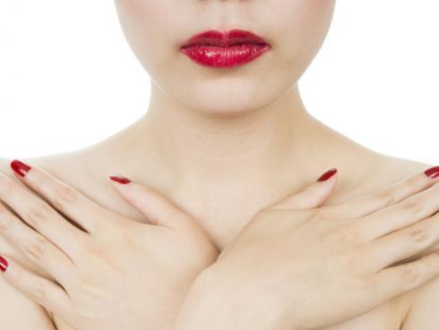 Las 5 cosas que causan la caída de tus senos