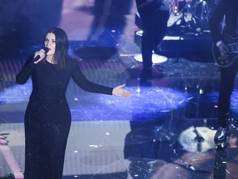 Laura Pausini enamoró en el Premio Lo Nuestro