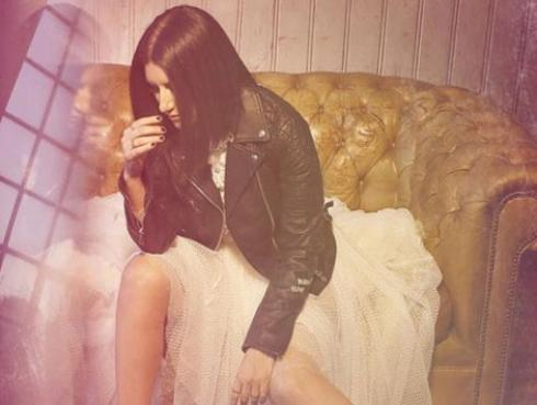 Laura Pausini llora por actuación de joven de 16 años