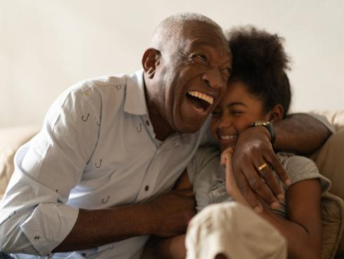 Los abuelos dejan huellas imborrables en la vida de los nietos