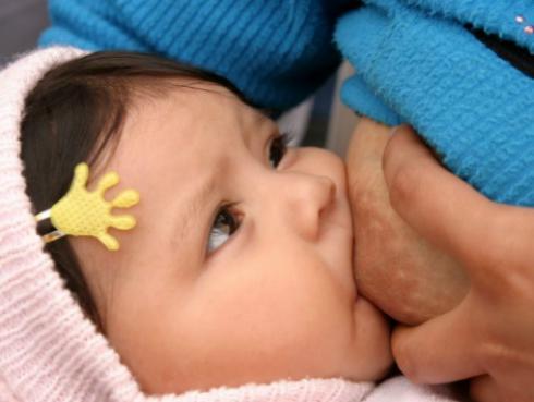 ¿No das de lactar a tu bebé? Mira qué beneficios para tu salud estás perdiendo