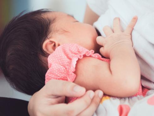 Los beneficios que tiene la lactancia materna en la madre