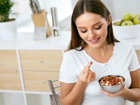 Por estos motivos debes incluir frutos secos en tu dieta diaria