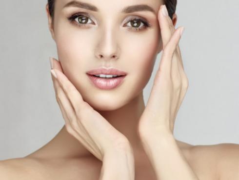 Mantén tu piel radiante durante la menstruación con estos tips