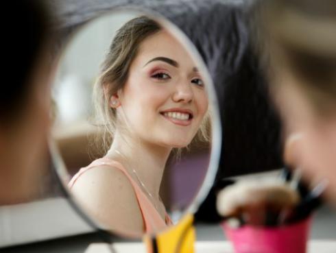 ¡Alerta! El maquillaje grasoso puede facilitar la adherencia del coronavirus