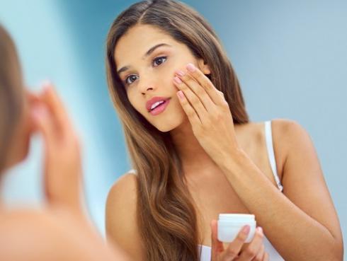 Productos que te ayudarán a recuperar tu belleza tras una noche de excesos