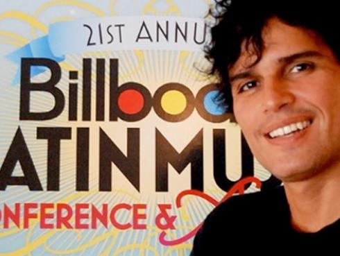 Pedro Suárez-Vértiz aplaude reconocimiento de Billboard