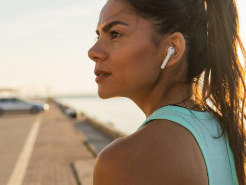 ¿Por qué debes escuchar música mientras realizas ejercicios?