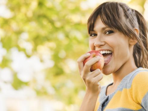 ¿Por qué debes de incluir la manzana en tu dieta?