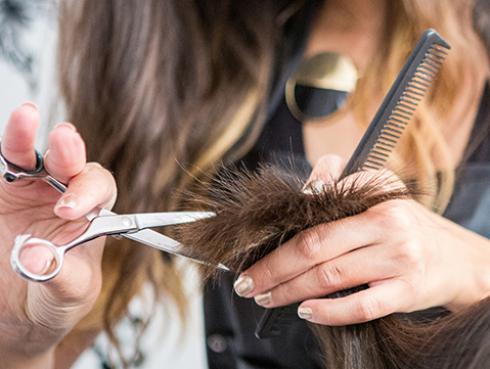 ¿Por qué las mujeres se cortan el cabello cuando terminan una relación?
