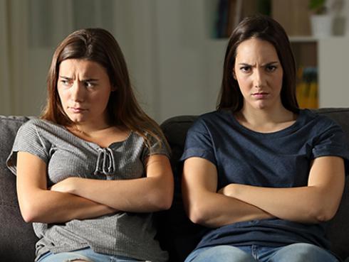 ¿Qué hacer si tienes una relación tóxica con tu hermana?