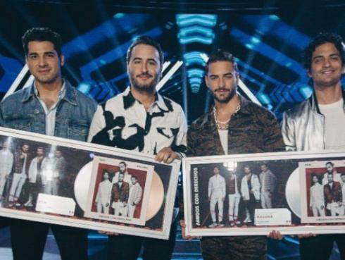 Reik reconocidos con Disco de Platino y Oro en México por el tema 'Amigos con derecho'