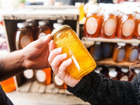¿Sabías que la miel favorece a la actividad sexual?