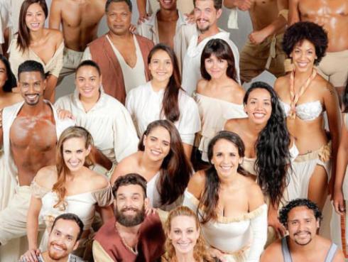 Sandra Muente emocionada por el musical 'Todos vuelven'