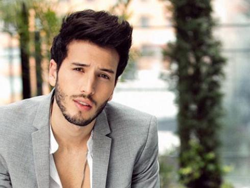 Sebastián Yatra anuncia el estreno de su primer disco