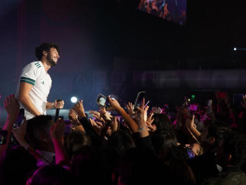 Sebastián Yatra cierra su gira mundial con un gran show en México