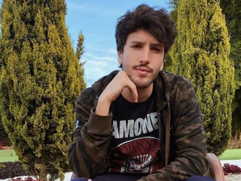 Sebastián Yatra estrena su nuevo sencillo 'Esta noche'