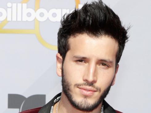 Mira el nuevo video de Sebastián Yatra junto a Mau y Ricky, 'Ya no tiene novio'